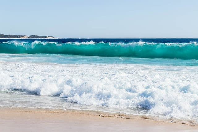 Waves at Wyadup Beach